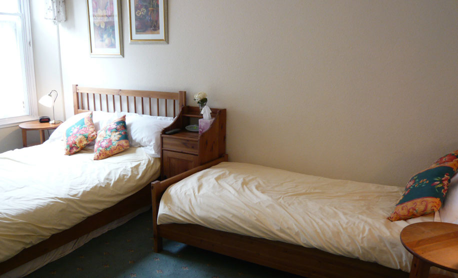 family bedroom holiday accommodation edinburgh