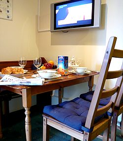 breakfast in your luxury apartmentn in Edinburgh