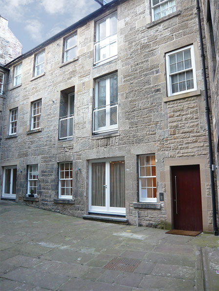 Large City Centre Accommodation Edinburgh